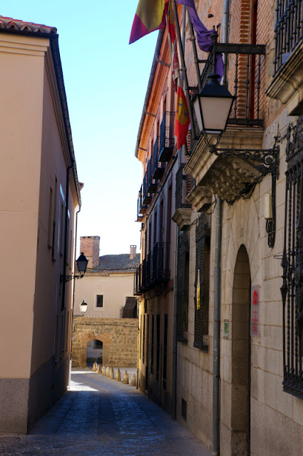 avila street2