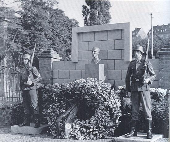 Heydrich Grab