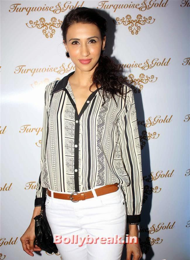 , Aditi Gowitrikar & Malaika Arora at Turquoise and Gold Store Opening
