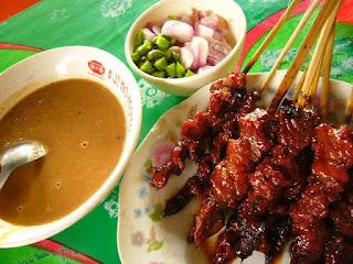 Makananan Khas Indonesia Sate madura