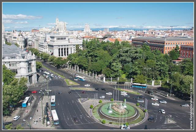 Plaza de Cibeles desde mirador de Palacio de Comunicaciones Madrid