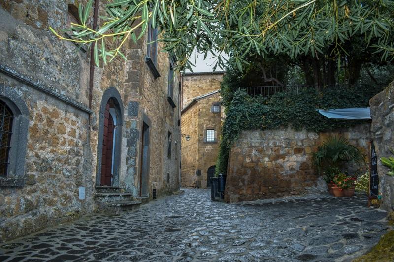 Exploring Civita di Bagnoregio