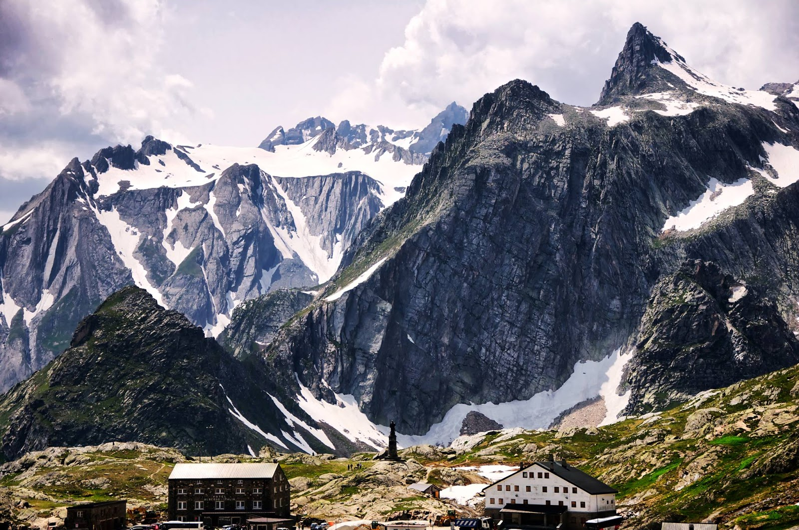 Snow mountain Wallpapers