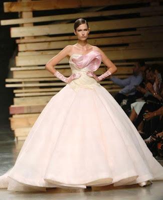 Gaun Pernikahan Tanpa Lengan Warna Pink