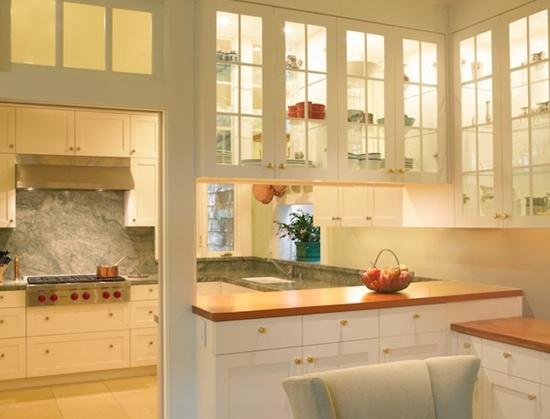 Kính và không gian Bếp