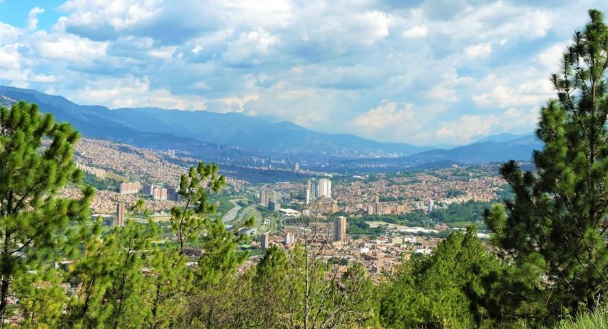 el cerro quitasol de Bello podemos ver la ciudad completa