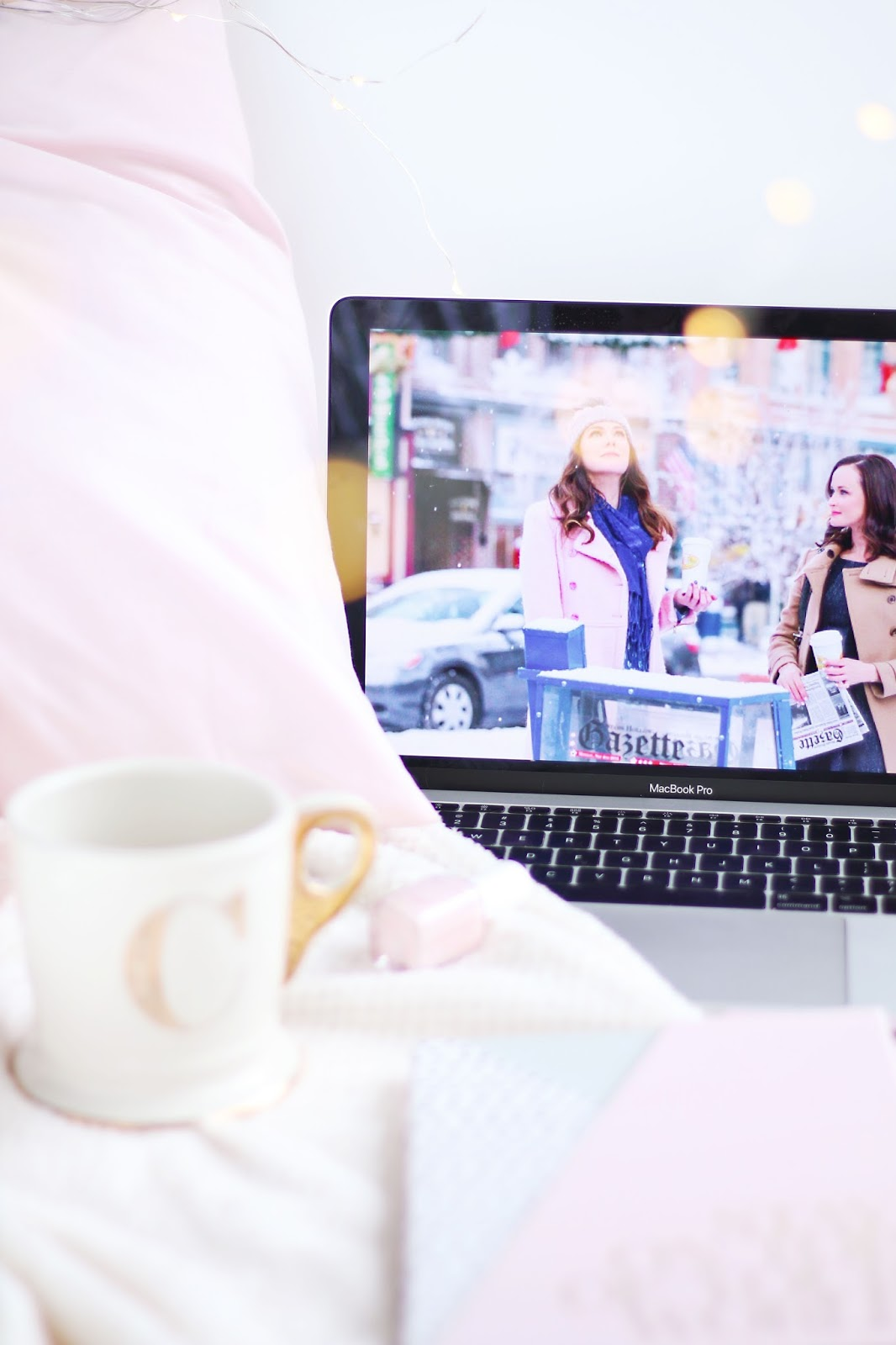 Cosy Things To Watch This Autumn, Gilmore Girls, what to watch on netflix, autumn watching, night in, what to watch on tv, gossip girl, netflix, things to watch on a cosy evening,