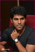Allu Sirish at Red FM-thumbnail-14