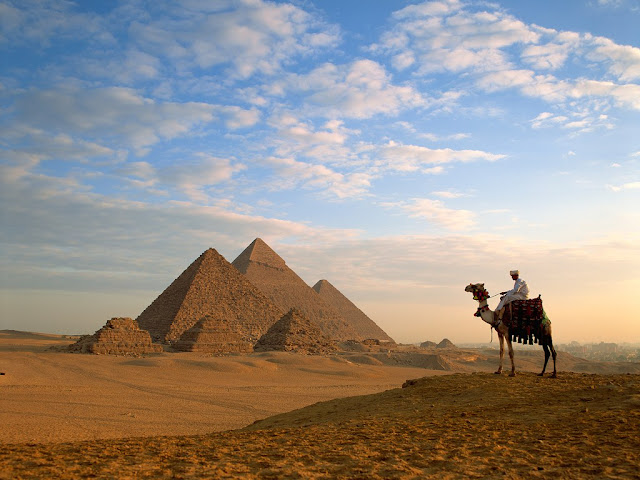Pyramids-of-Giza- El- Giza- Egypt