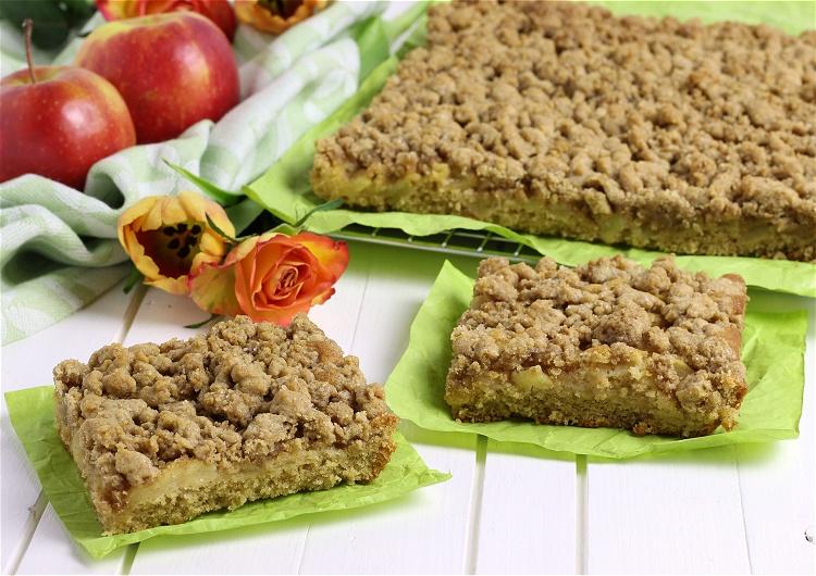 Apfel-Zimt-Streusel-Blechkuchen