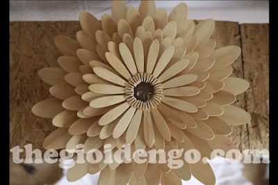 Thế Giới Đèn Gỗ - Đèn gỗ trang trí hoa cúc 5