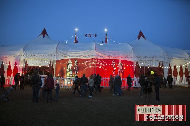 le tente d'entrée du cirque Knie