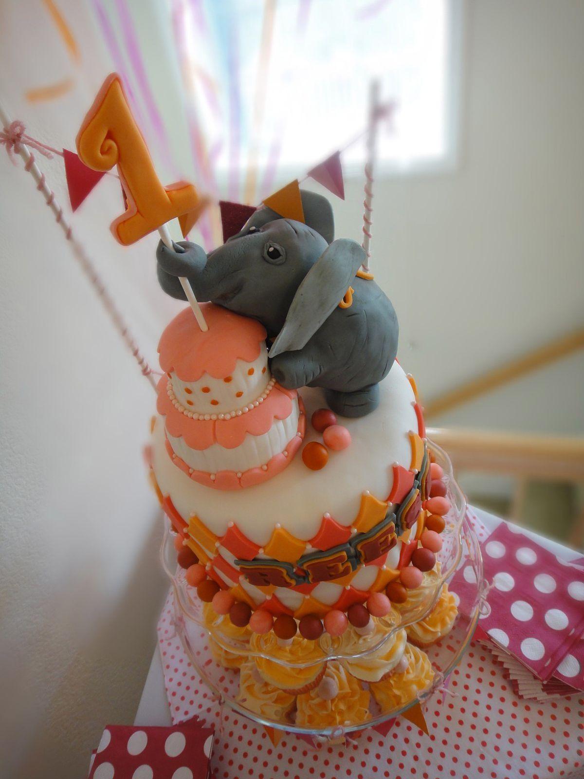 Sugar 1st Birthday Elephant Circus Themed Cake Amp Cupcakes