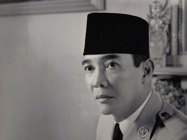 Biografi Lengkap Presiden ir. Soekarno