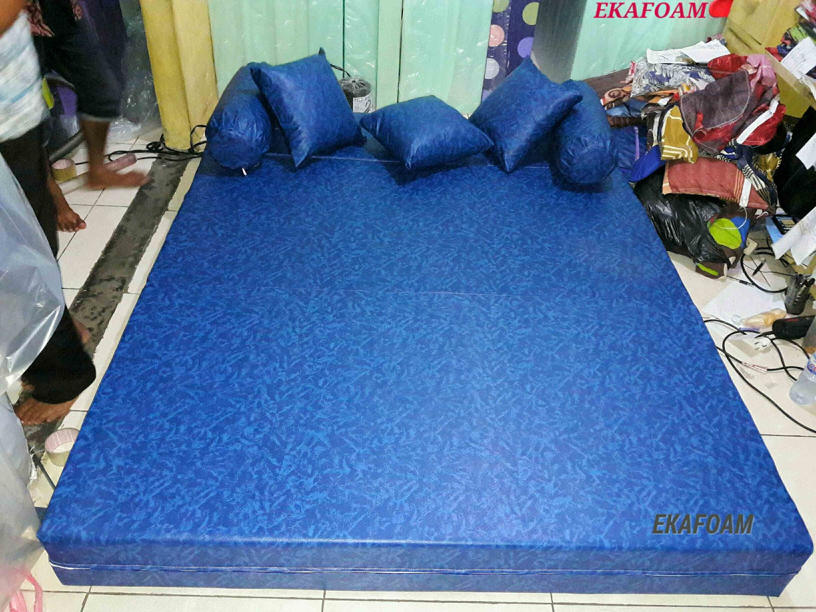sofa bed inoac 3 in 1 2 seater laura ashley agen jual kasur busa ef