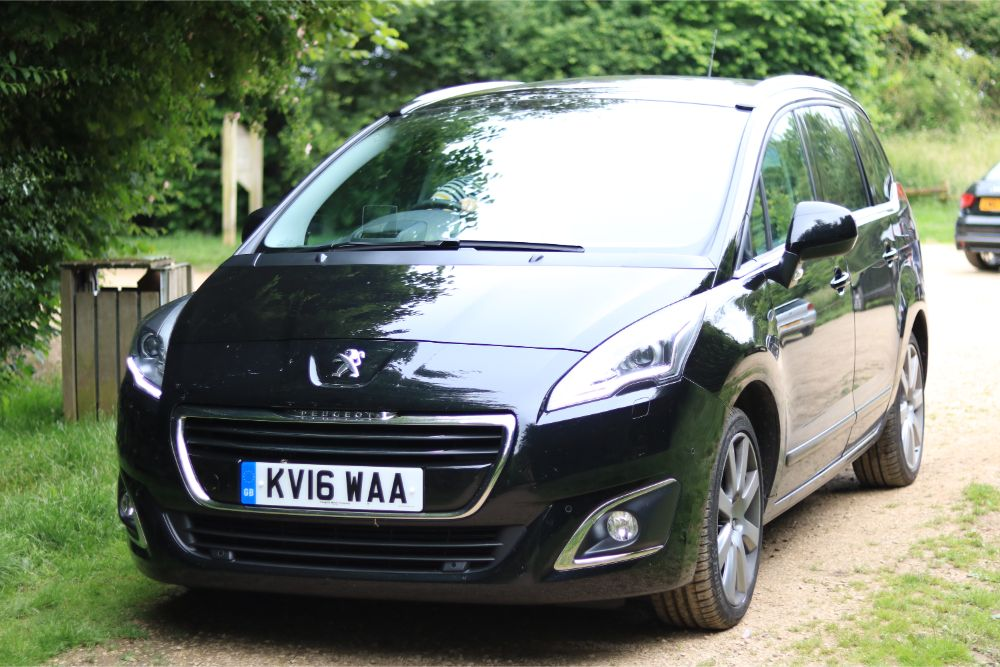 T Peugeot 5008 Gallery