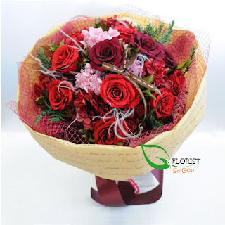 Christmas red rose bouquet Hochiminh