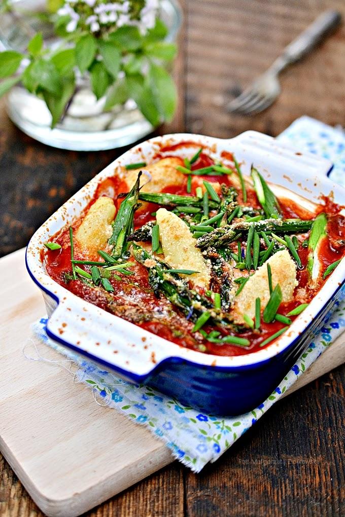 Gnocchi w pomidorach z kurczakiem i zielonymi szparagami  w konkursie Pudliszki pomidorowe inspirację/kurczak