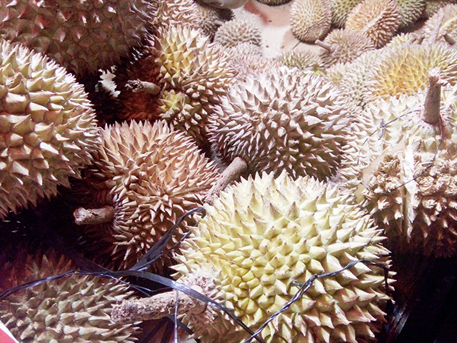 Makan Durian, Dengan Harga Murah