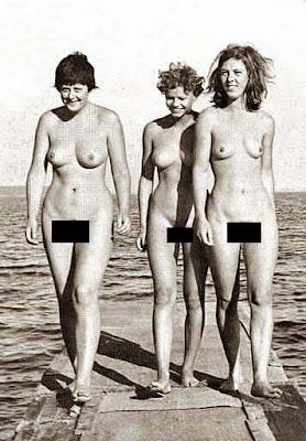 Angela Merkel in jungen Jahren lustig