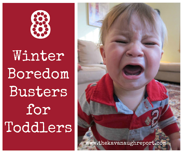 8 activities to keep toddlers busy indoors during the winter. These easy ideas are perfect for sensory play.