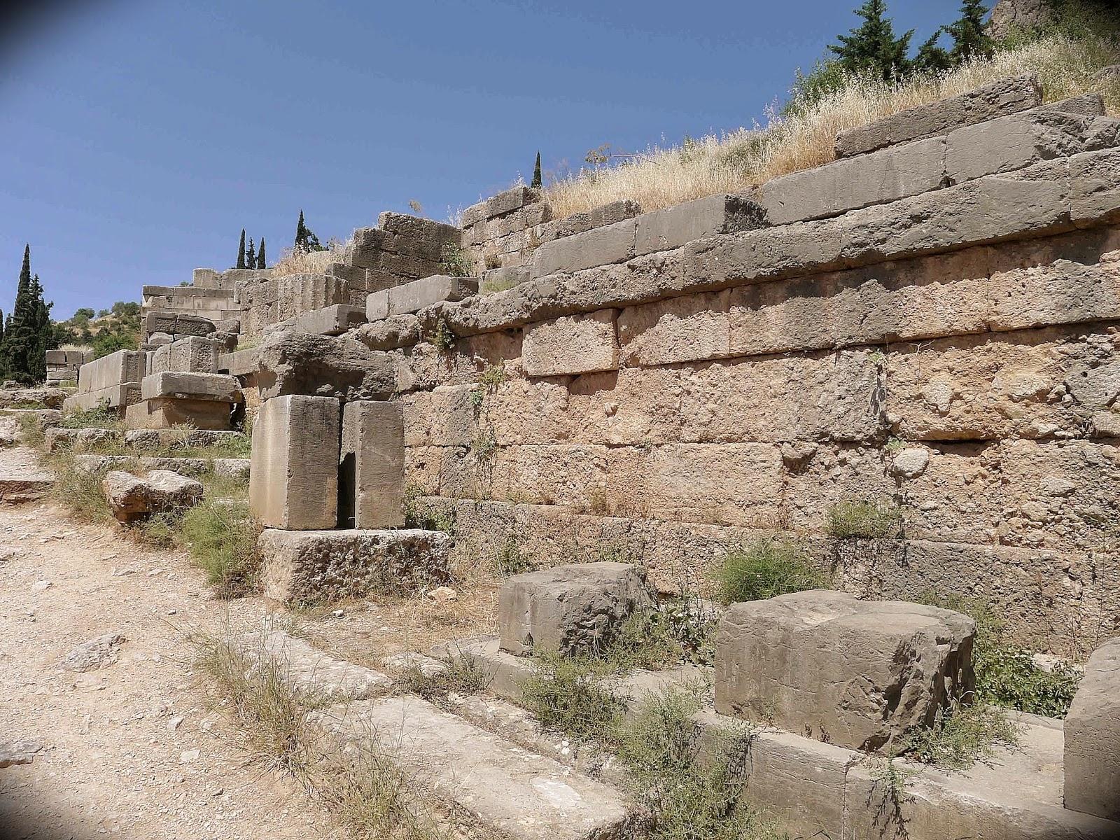 Via Sacra Delphi