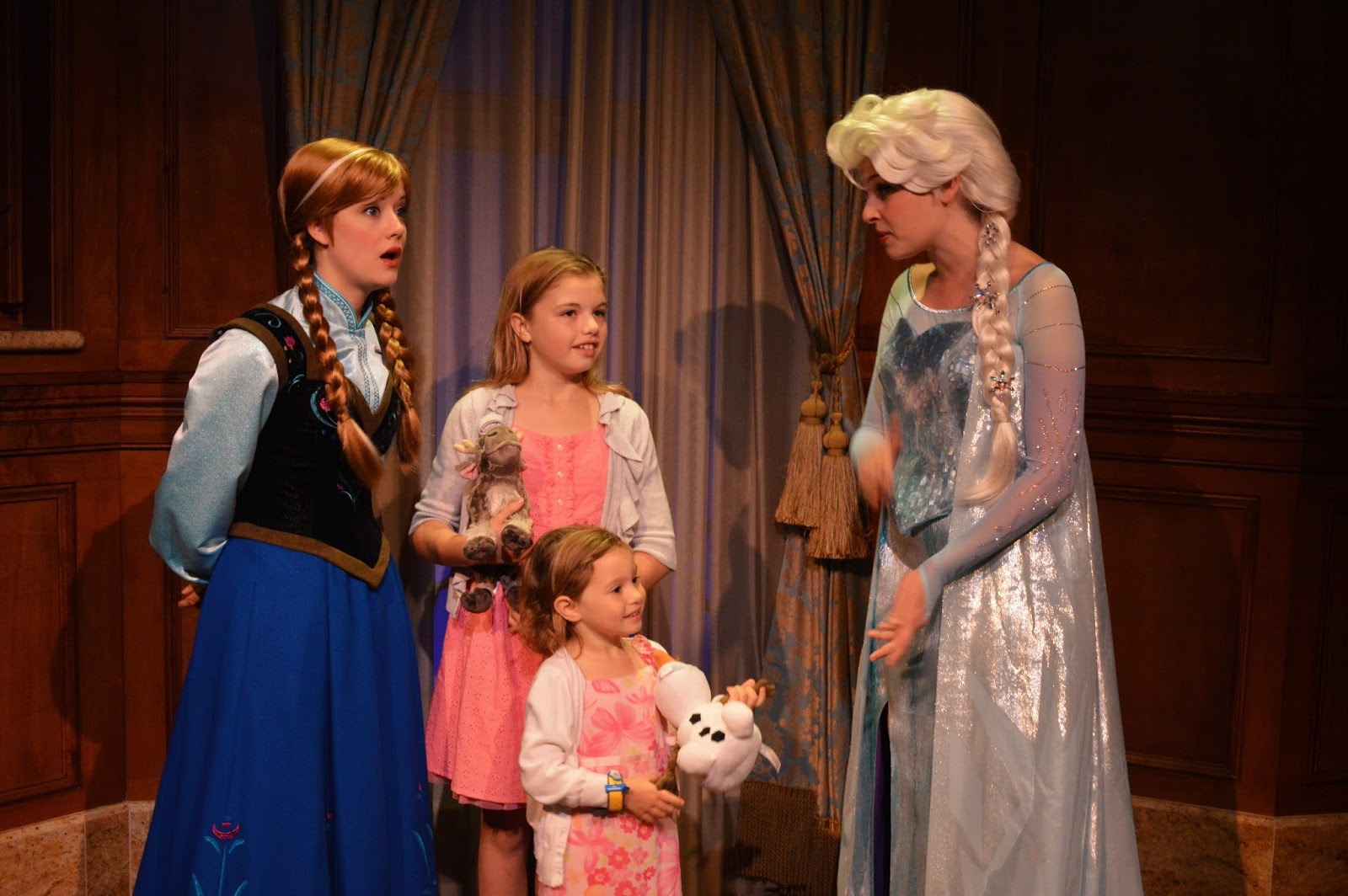 meet anna and elsa fast pass