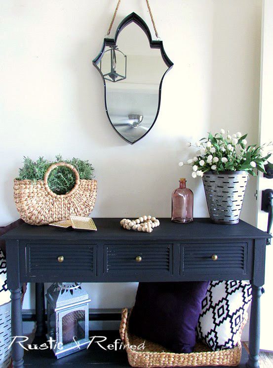 Spring or Summer decor in the entryway