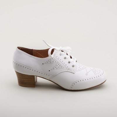 Lauren Stowell talks about royal vintage shoes