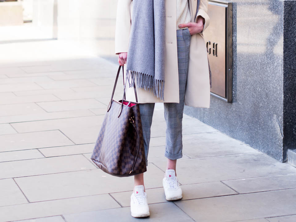 tips-to-manage-and-reduce-stress-and-spring-outfit-with-trench-coat-and-check-trousers
