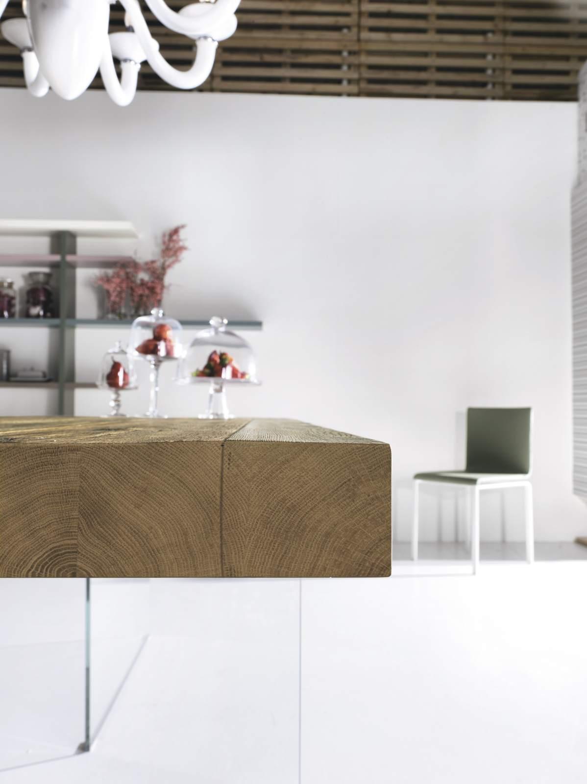 Seaseight design blog focus on lago tavolo air for Table 6 wildwood mo