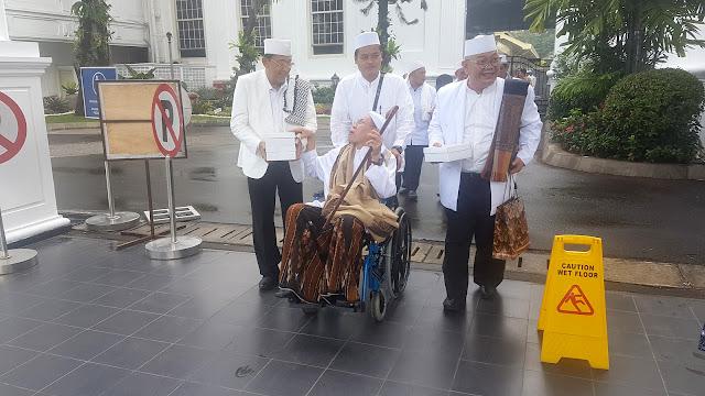 Ulama dari Jateng Temui Jokowi di Istana Beri Dukungan 2 Periode