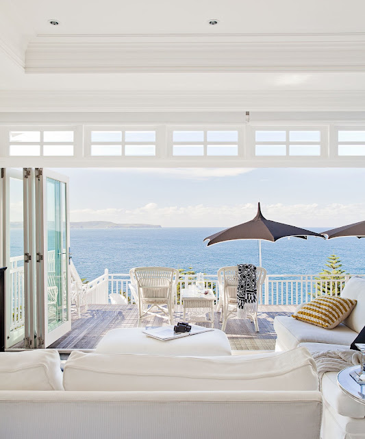 Outdoor Living : The outlook onto the Pacific ocean {Cool Chic Style Fashion}