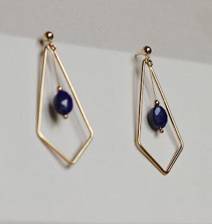 https://www.alittlemarket.com/boucles-d-oreille/fr_boucles_d_oreilles_geometriques_or_et_lapis_lazuli_-19831531.html