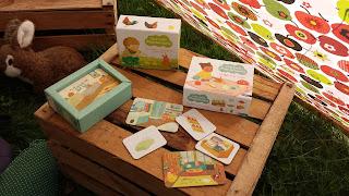 tout-petit Montessori cartes classifiées language apprentissage 12 mois animaux petits objets de la maison avis critique chronique assistante maternelle tente tipi DIY enfant bébé