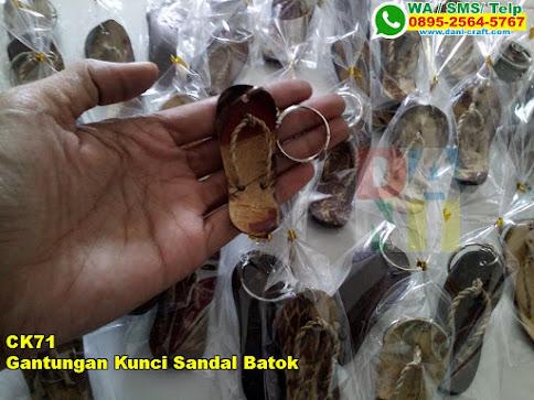 Jual Gantungan Kunci Sandal Batok