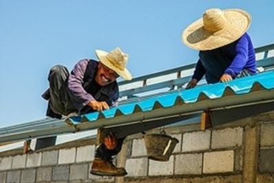 Perbaiki Atap untuk Menaikkan Harga Rumah Sebelum Dijual