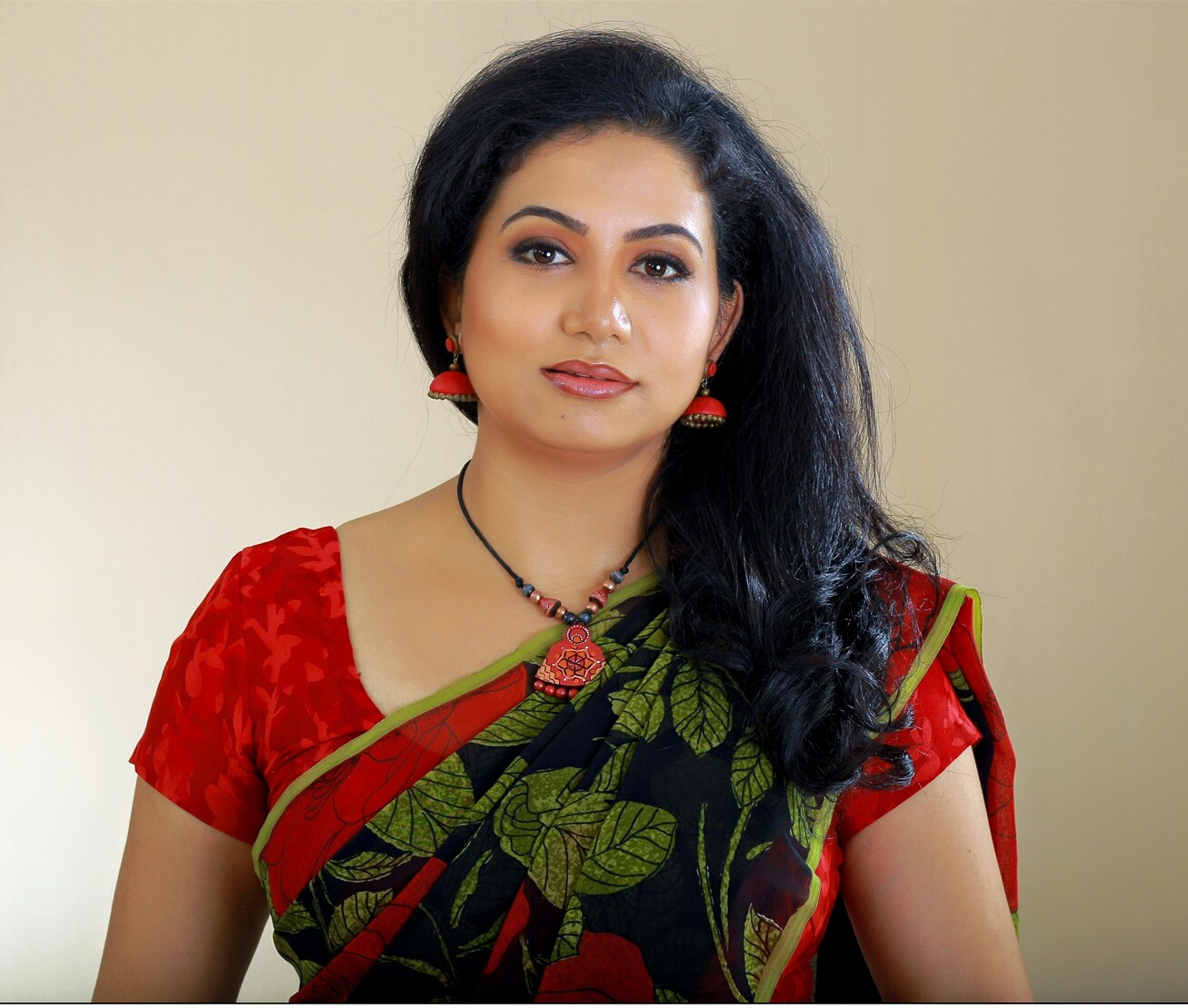 sheelu abraham actress photos in puthiya niyamam malayalam
