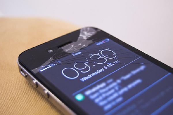 thay mat kinh iphone 4s