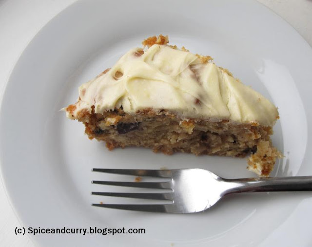 Spice and Curry: Eggless Apple Blueberry Nutmeg Cake