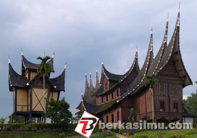 Foto Istana Basa Pagaruyung