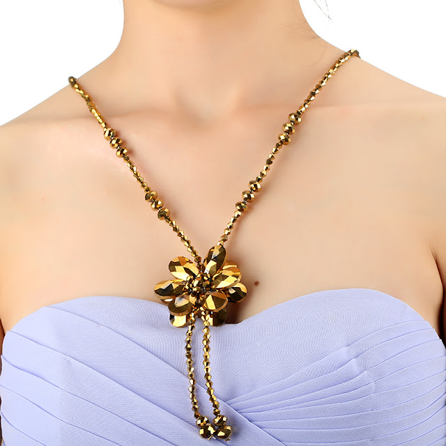 Kado perhiasan untuk istri