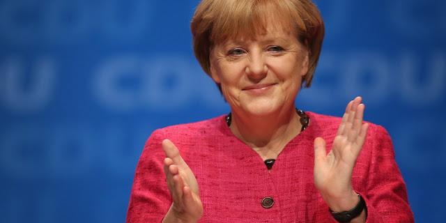 ميركل تدافع عن سياستها وتعلن عن البدء في مفاوضات لتشكيل الحكومة