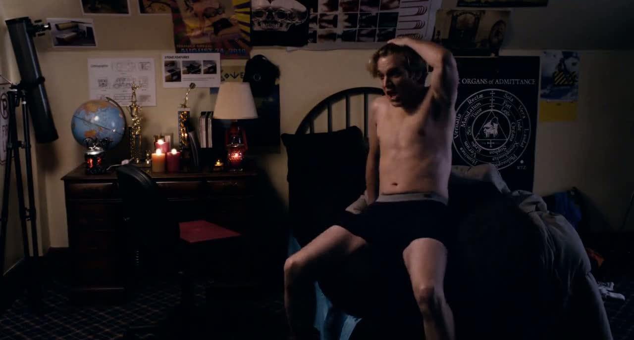 Shirtless Men On The Blog: Dan Stevens Shirtless