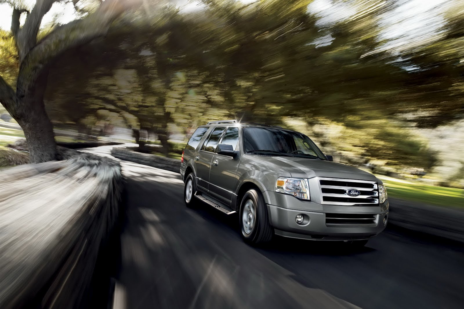 nhtsa may get ford to recall 1 4 million pickups and suvs. Black Bedroom Furniture Sets. Home Design Ideas