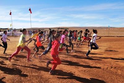 هيمنة عداءات وعدائي المديرية الإقليمية بإفران على جل مسابقات البطولة الجهوية للعدو الريفي المدرسي بالحاجب