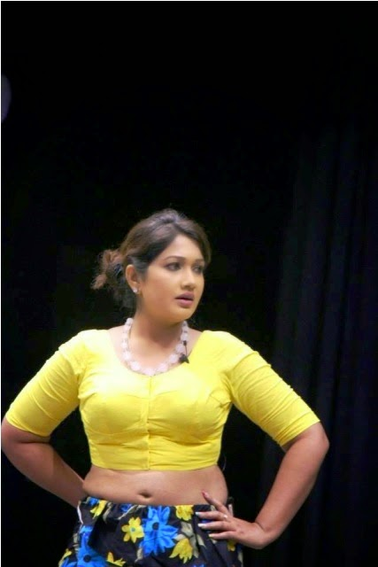 Piyumi Shanika Botheju Hot Picture
