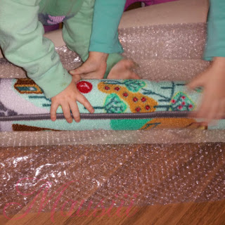 Teppich wird ausgepackt