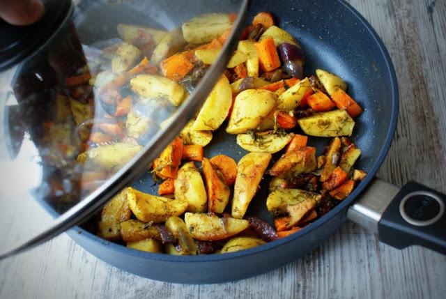 młode ziemniaki,koperek,patelnia woll szafir,zdrowe danie,e gustus,