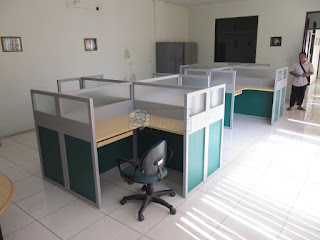 Meja Partisi Kantor Cubicle Workstation Desain Terbaru 2019 - Furniture Semarang